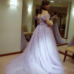 試着したドレスと当日のヘアスタイルの写真 2枚目