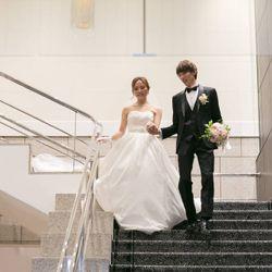 階段入場〜ブーケトスの写真 3枚目