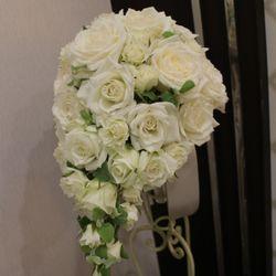 装花(ブーケ、挙式会場、披露宴会場、カラードレス時の生花のヘアアレンジ)の写真 16枚目