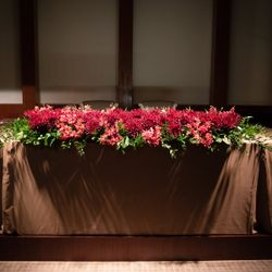 会場装花、ケーキの写真 3枚目