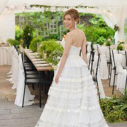 結婚パーティーウェディングドレスの写真 3枚目