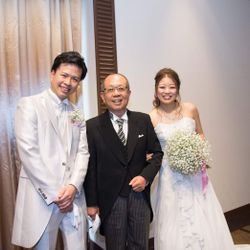 白ドレスの写真 4枚目