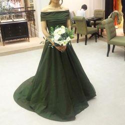 ドレス試着 カラードレスの写真 2枚目