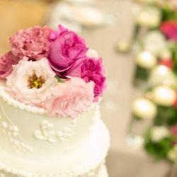会場装花、ケーキ、ブーケの写真 3枚目
