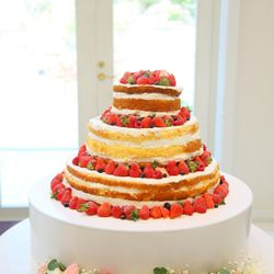 【国内パーティー】装花、ウエディングケーキの写真 12枚目