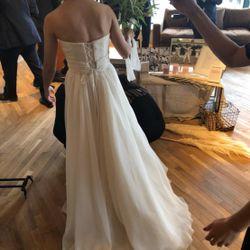 ウェディングドレスの写真 17枚目