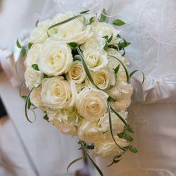 花束&指輪の写真 3枚目