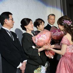 両親へ花束と子育て感謝状の写真 3枚目