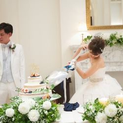 ケーキ入刀 ファーストバイトの写真 2枚目