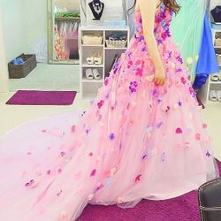★カラードレス衣装合わせの写真 2枚目