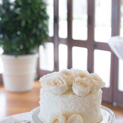 ウェディングケーキ(ハワイ挙式、国内披露宴)の写真 1枚目