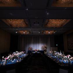 国内披露宴装花、会場装飾の写真 1枚目