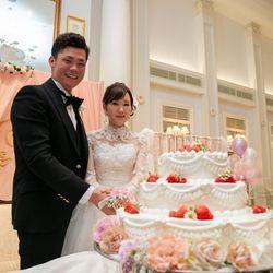 ケーキ入刀、ファーストバイトの写真 1枚目
