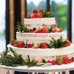 ウエディングケーキの写真 2枚目