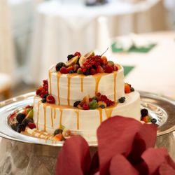二次会ウエディングケーキ(ドリップケーキ)の写真 1枚目