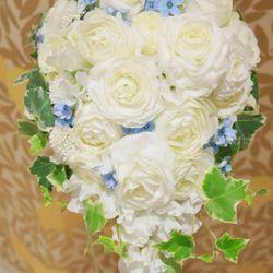 小物、ケーキ、お花の写真 1枚目