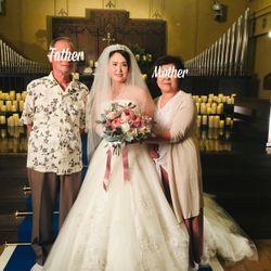 白ドレス前撮りオフショットの写真 2枚目