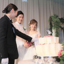 2披露宴(ウェディングケーキ入刀~ファーストバイト)の写真 1枚目