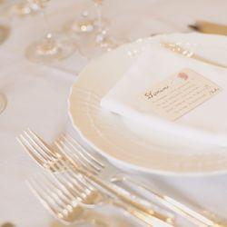 披露宴・テーブル装花の写真 1枚目