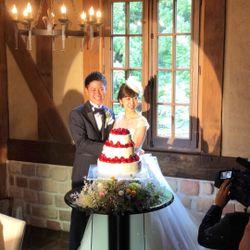 ウエディングケーキ、ケーキ入刀の写真 1枚目