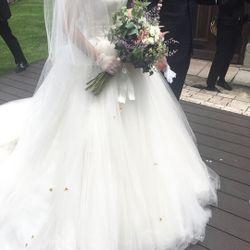 挙式前撮影:ウエディングドレスヘアアクセの写真 1枚目