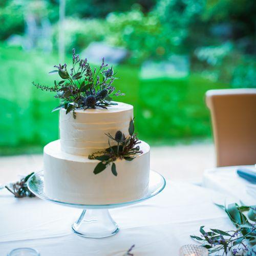 披露宴装花・会場装飾・ケーキの写真 1枚目