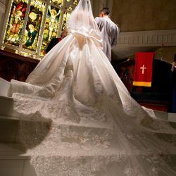 ウエディングドレスの写真 5枚目
