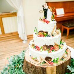 ケーキ入刀の写真 1枚目