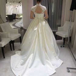 ドレス試着の写真 3枚目