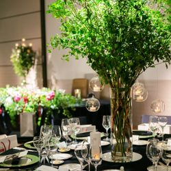 ゲストテーブル装花の写真 1枚目