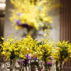 ゲストテーブル装花の写真 2枚目
