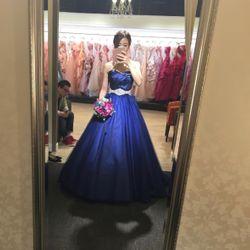 ドレス試着 カラードレスの写真 1枚目