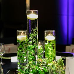 ゲストテーブル装花の写真 8枚目