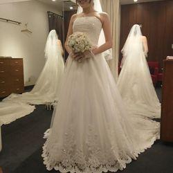 試着したドレスの写真 4枚目