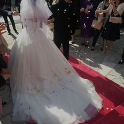 ウェディングドレスの写真 6枚目