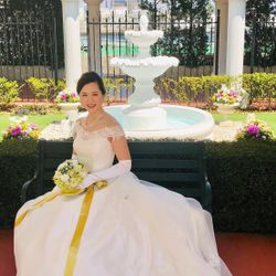 ウエディングドレスの写真 4枚目