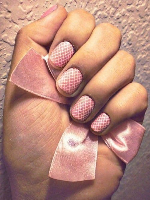 20-playful-and-fancy-wedding-nails-ideas-6-500x666