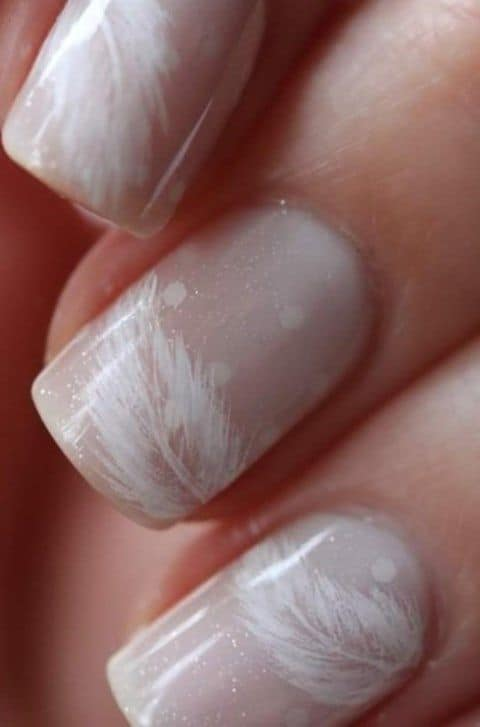 awesome-winter-wedding-nails-ideas-3