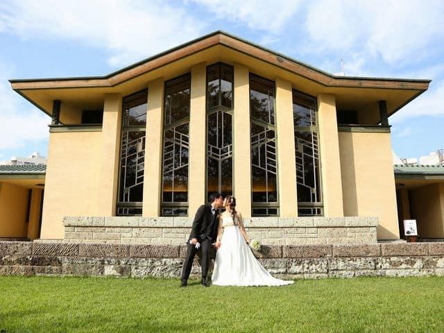 自由学園明日館での結婚式―キス