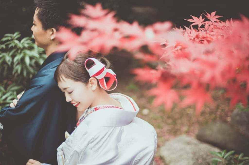 和装花嫁の髪型画像集♡結婚式&前撮りの白無垢・色打掛・引振袖に似合うヘアスタイルまとめのカバー写真 0.666015625