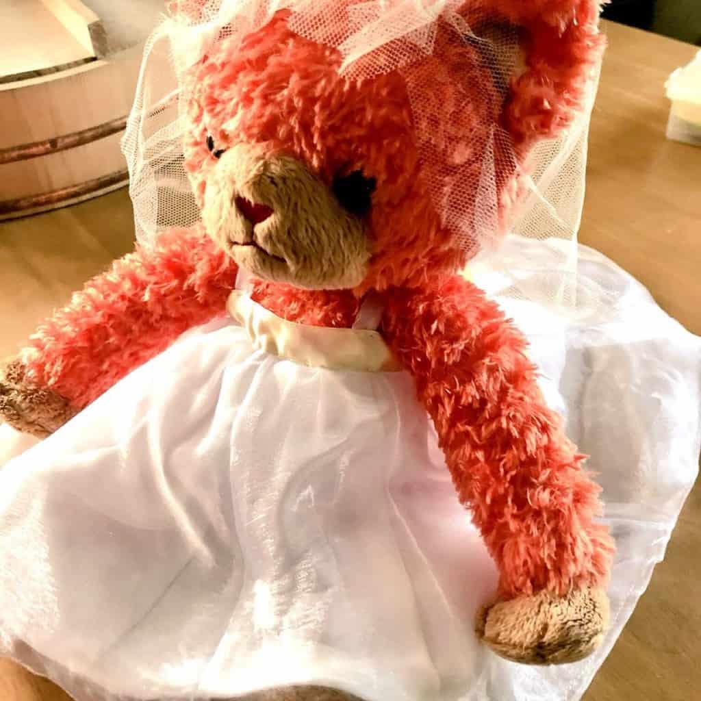 花嫁とお揃いのドレスを着せた《ウェルカムドール》が可愛い♡のカバー写真 1