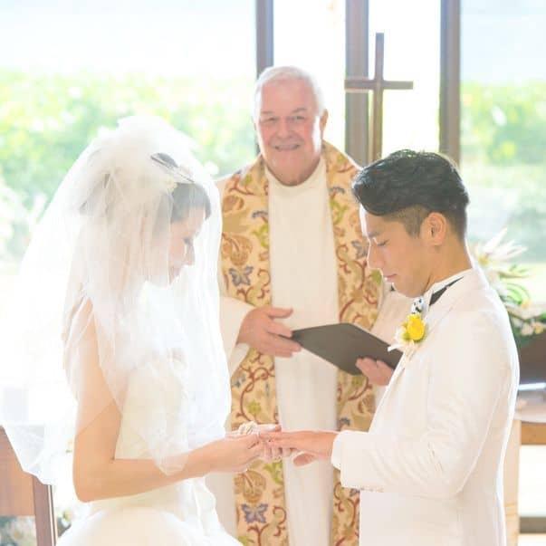 3 Colors Wedding ‐キャルバリー・バイ・ザ・シー教会でのフォトレポート-のカバー写真