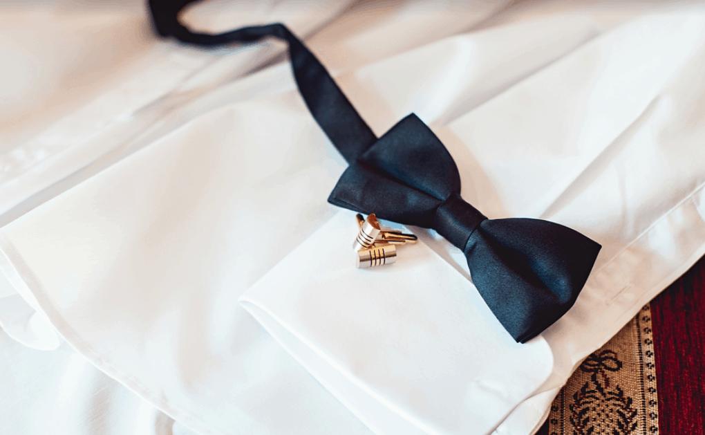 結婚式に蝶ネクタイの新郎が急増中!おしゃれ度UPが際立つそのテクニックのカバー写真