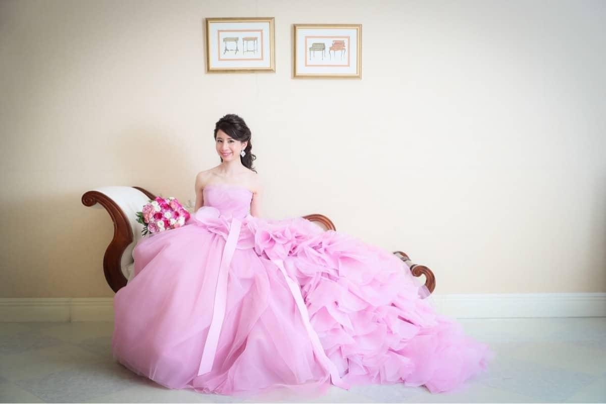 パーソナルカラーで選ぶ♡失敗しないカラードレスの選び方のカバー写真