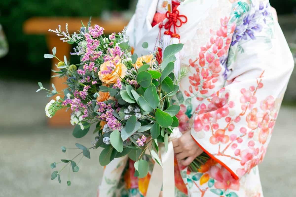 和装の花嫁必見♡参考にしたいブーケデザイン28♡のカバー写真