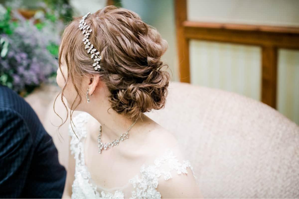 花嫁のイメージ別♡ウェディングドレスに似合うヘアスタイル集**のカバー写真