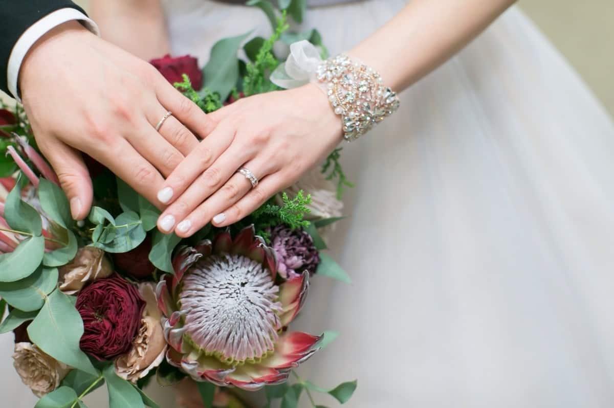 愛が溢れる指輪の刻印♡マリッジリングメッセージのカバー写真