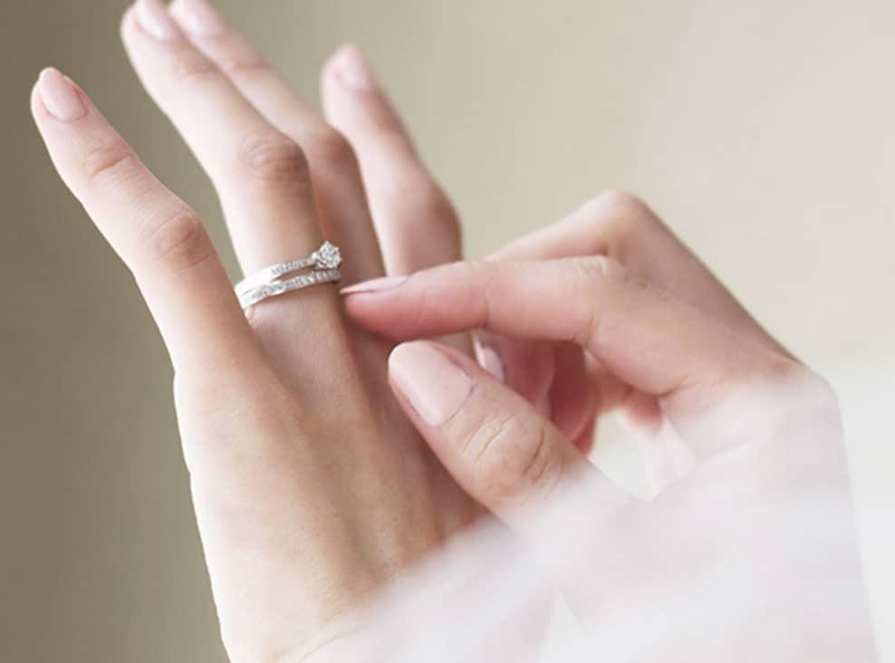 結婚指輪に4℃(ヨンドシ―)をお勧めする理由♡シンプルな美しさが魅力♡のカバー写真 0.7408906882591093