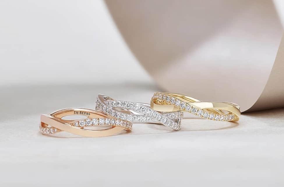 輝き抜群☆DE BEERS(デビアス)婚約指輪はダイヤモンドリングの大御所!のカバー写真 0.6594871794871795