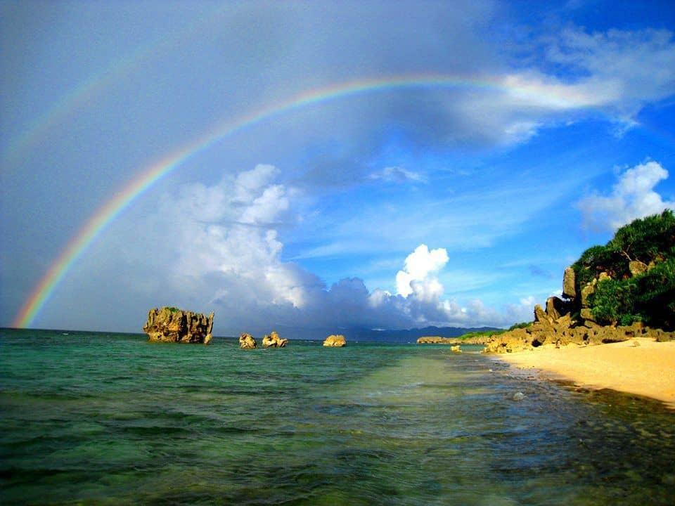 dan-give-on-double-rainbow-on-kouri-island-okinawa-japan